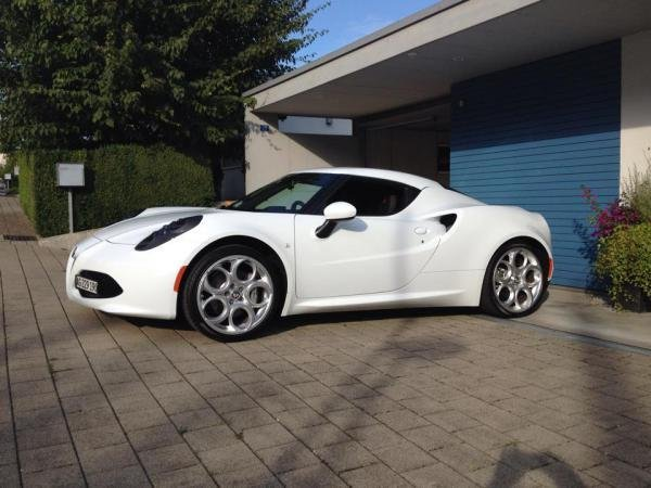 Showcase cover image for Alfa Romeo 4c